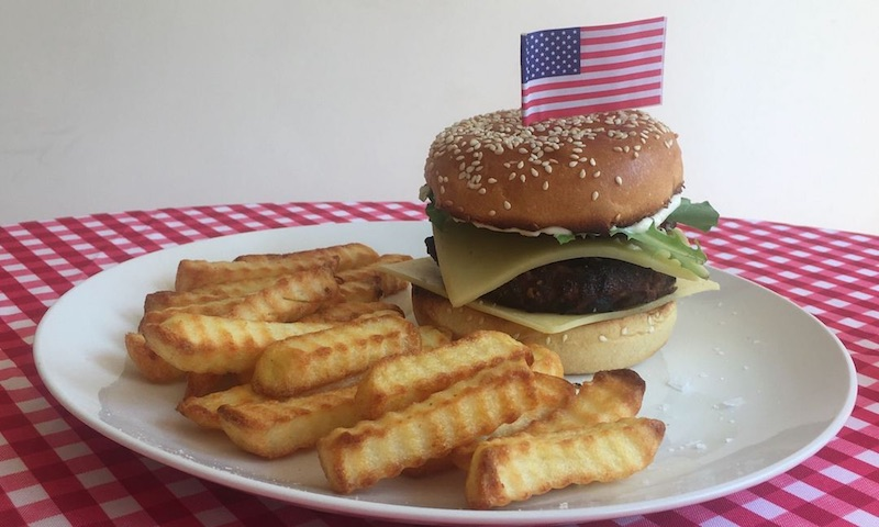 American Burger and Chips